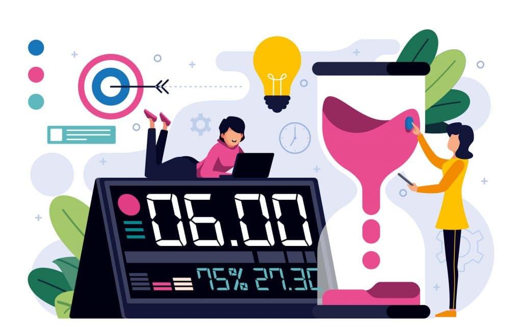 Garota mexendo no computador deitada em cima de um relógio gigante. Outra garota em pé regulando uma ampulheta.