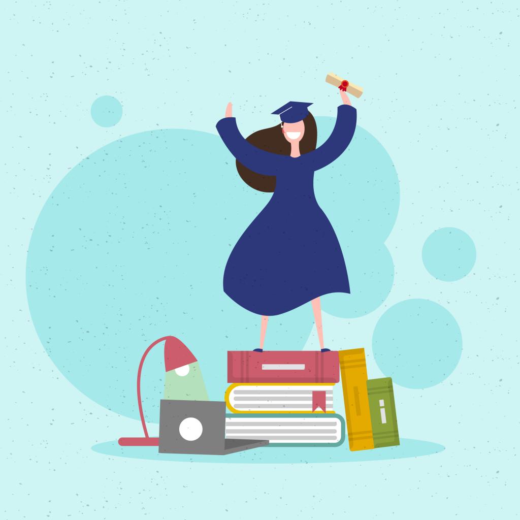 Garota vestida com beca e capelo segurando um diploma. Ela está sorridente e comemorando em cima de vários livros gigantes.